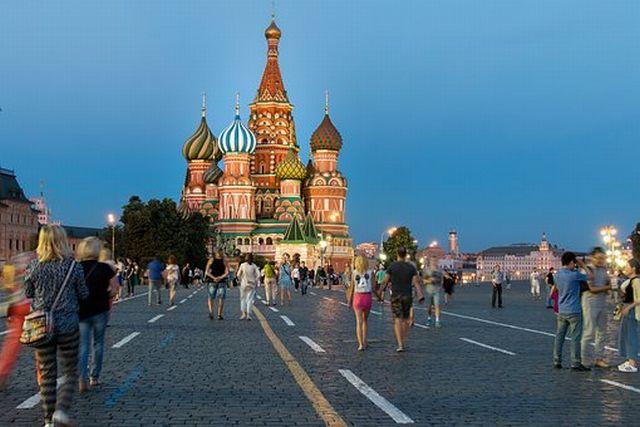 ロシアに墜ちた隕石をUFOが爆破したのが映っていた