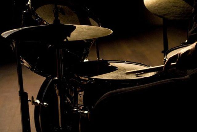 リズム・演奏が出す「グルーブ感」と音色・音像が生み出す「トリップ感」