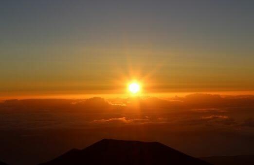 太陽を凝視して不食になる方法~断食・不食は人体のメカニズムを変えてしまう?